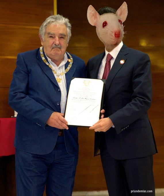 MujicaConRatAzteca